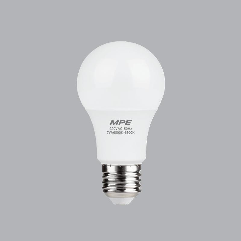 Đèn Led bulb 12W ánh sáng vàng LBD-12V MPE, đường kính bóng 137mm, đường kính đui đèn 70mm, thân nhựa MPE